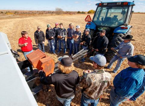 Agronomy and precision farming students at the Nebraska College of Technical Agriculture in Curtis review crop planting decisions with Professor Brad Ramsdale. (Photo by Craig Chandler / University Communication)