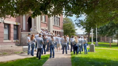 Aggies gather at the start of fall semester outside Ag Hall for 2021 New Student Orientation at the Nebraska College of Technical Agriculture. (Photo by Andela Taylor / NCTA News)